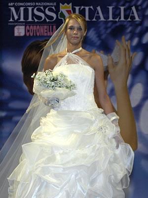 Abiti da sposa marta sala